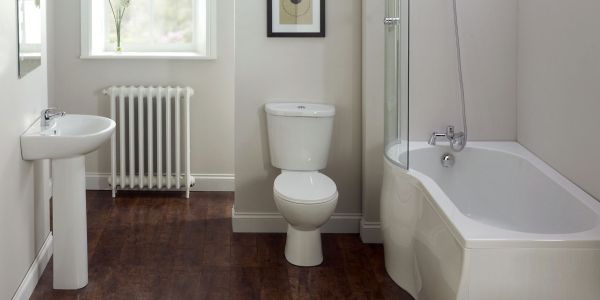 Decoração de Banheiro e Lavabos com Branco e Madeira