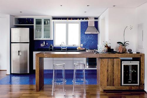 decorar cozinha moderna: Projetos – Decoração de cozinhas com pastilhas de vidro