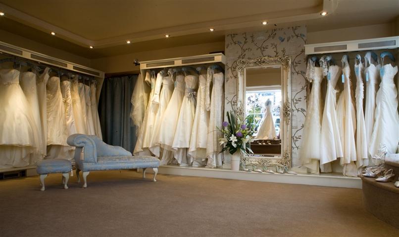 Decora o e projetos decora o de lojas de roupas for Wedding dress shops in orlando