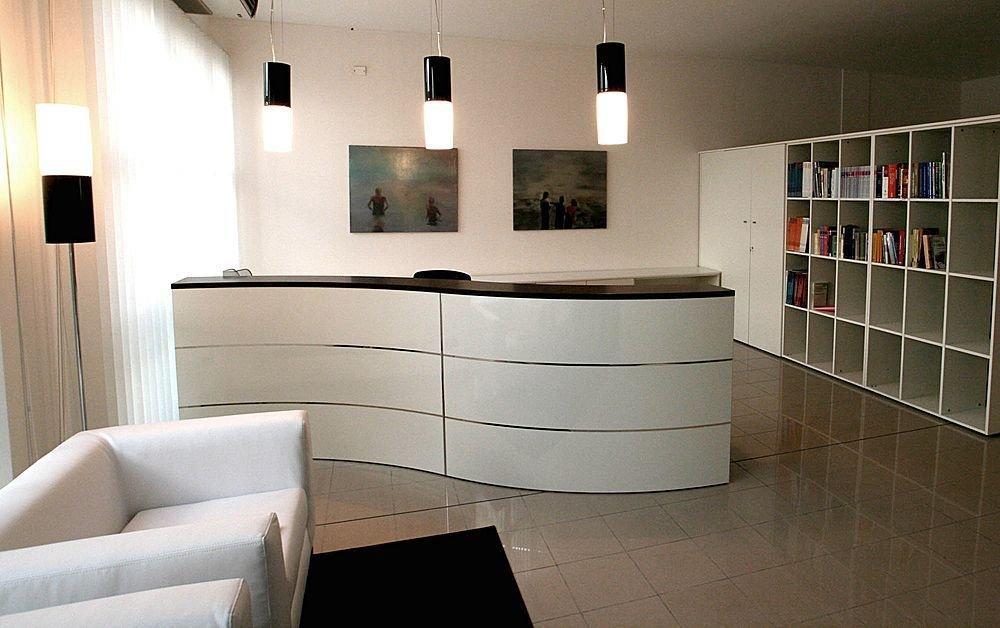 decora o e projetos decora o de recep o de consult rios com fotos. Black Bedroom Furniture Sets. Home Design Ideas