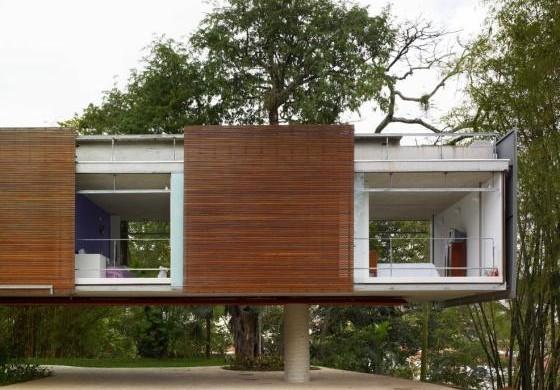 Decora o e projetos fachadas de casas com madeira - Biombos para exteriores ...