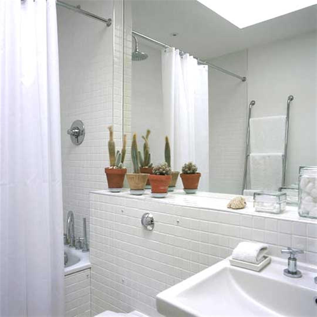 Ideas Baños Sencillos:Small White Tile Bathrooms