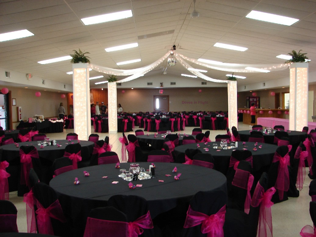 Decora o e projetos decora o de casamento preto e rosa for Wedding reception room decoration ideas