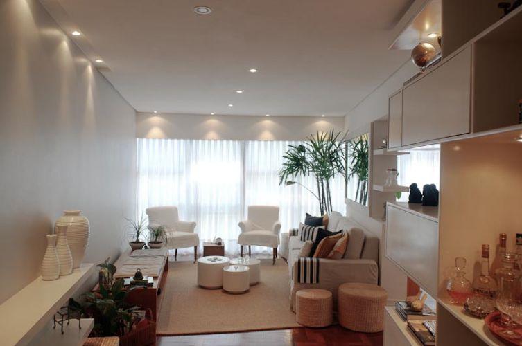 decora o e projetos decora o de sala de visita pequena e moderna. Black Bedroom Furniture Sets. Home Design Ideas