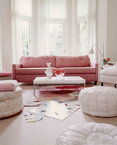 Decora o e projetos decora o de salas com puffs for Decoracao de sala de estar 2018
