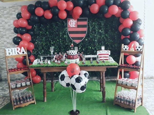 decoração preto e vermelho