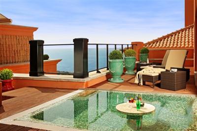 Decora o e projetos decora o de terra o com piscina for Mar villa modelo