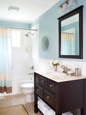 Reforma barata de banheiro veja dicas for Bathrooms with wainscoting photos