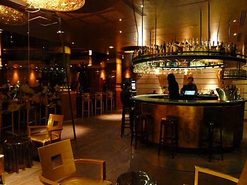 Decora o de bares noturnos fotos for Modelos de bares rusticos para casas