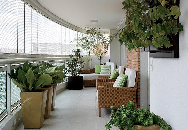 ideias para jardim em apartamento:Decoração e Projetos – Varandas decoradas com vasos