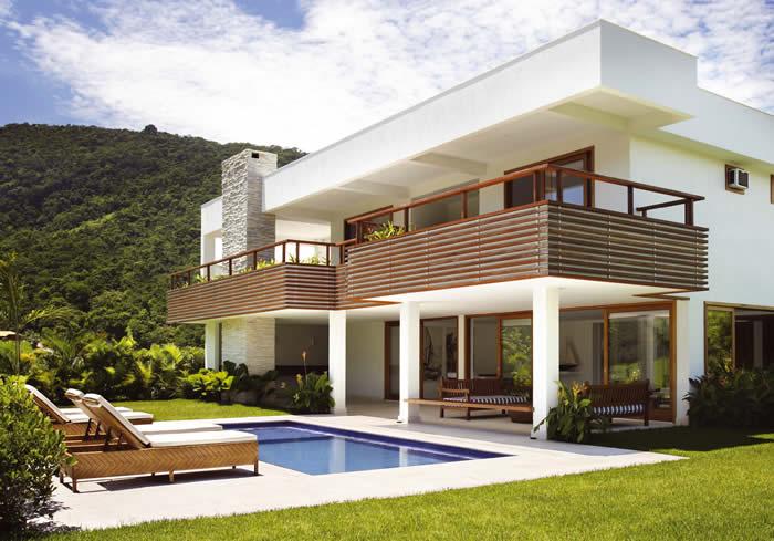 Casas com telhado embutido fotos for Modelos de casas de campo modernas