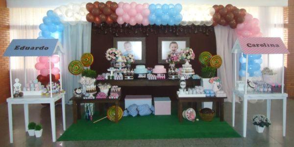 A decoração para festa de gêmeos deve fazer os dois sentirem-se únicos no dia de seu aniversário (Foto: Divulgação)