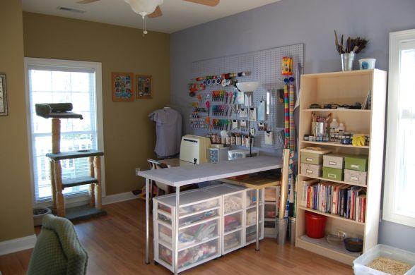 A decoração para quarto de costura deve ser a mais funcional possível (Foto: Divulgação)
