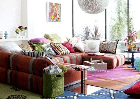 A decoração para sala com clima jovem deixará os moradores de sua casa muito mais descontraídos (Foto: Divulgação)