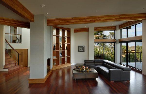 Os detalhes de madeira na decoração estão sendo mais utilizados a cada dia (Foto: Divulgação)