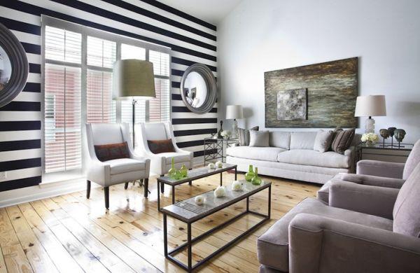 A decoração com listras preto e branco deixa o ambiente mais requintado (Foto: Divulgação)