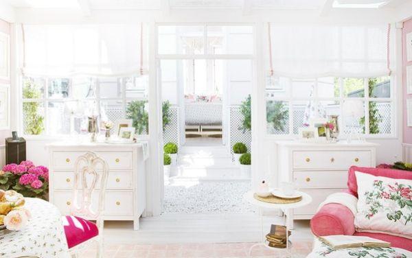 A decoração com branco em ambientes pode seguir vários estilos diferentes (Foto: Divulgação)