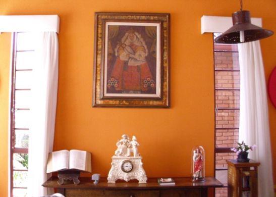 A decoração com peças religiosas pode ser utilizada em todos os cômodos de seu lar (Foto: Divulgação)