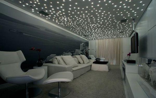 A decoração com fibra ótica renova facilmente qualquer ambiente, até mesmo os externos (Foto: Divulgação)