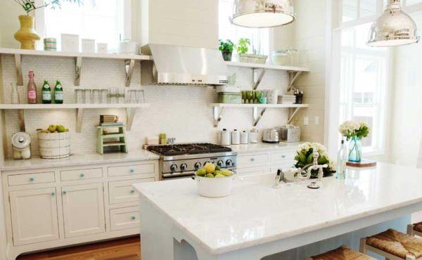 A decoração de cozinha aberta é charmosa, porém exige organização é ótima limpeza todos os dias (Foto: Divulgação)