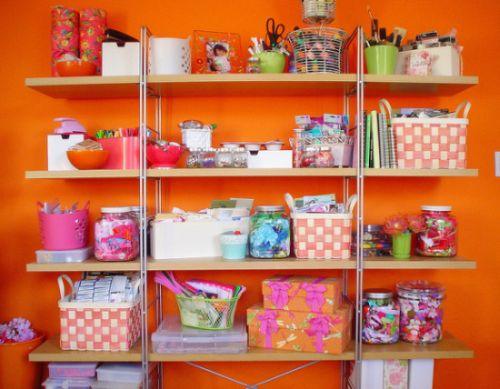 Uma boa decoração para manter um ateliê bem organizado deve contar com muitos compartimentos (Foto: Divulgação)