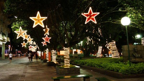 A decoração de Natal para praças é essencial para a sua cidade ficar mais bonita e no clima natalino (Foto: Divulgação)