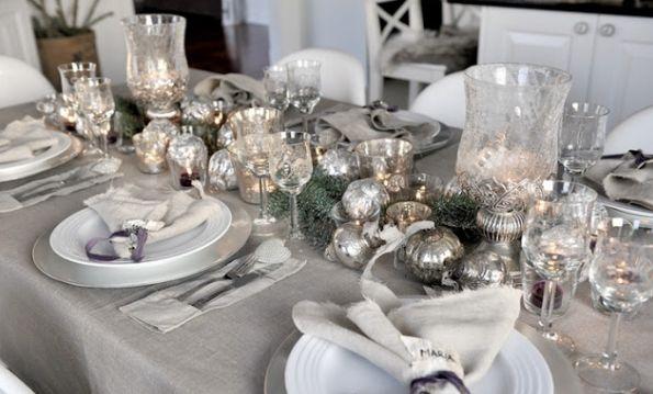 A decoração com velas para ano novo pode ajudar a atrair muito mais energias positivas para o ano que se inicia, segundo as superstições de ano novo (Foto: Divulgação)