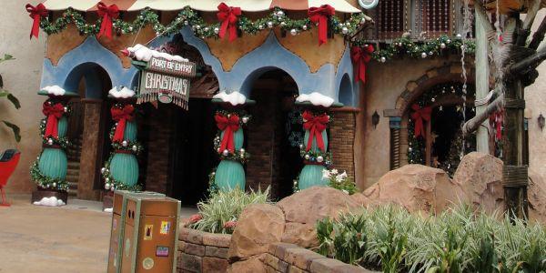 A decoração de Natal para entradas de lojas é tão importante quanto a decoração para a vitrine de sua loja (Foto: Divulgação)
