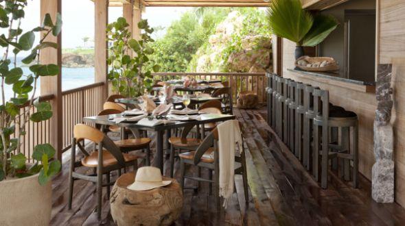 A decoração rústica para varandas e jardins deixa a parte externa de seu lar com clima muito mais colhedor e aconchegante (Foto: Divulgação)