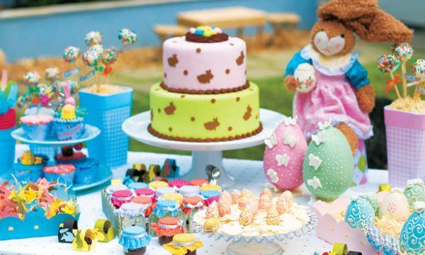 A decoração de festa tema Páscoa é especial e pode sair bem barata caso você utilize peças decorativas que você já possua em casa (Foto: Divulgação)