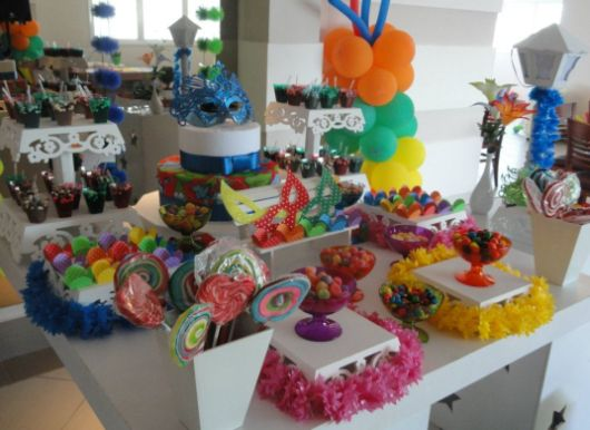 Decoração De Festa Com Tema Carnaval