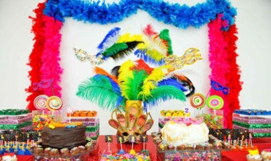 A decoração de festa com tema carnaval é muito interessante e deixará a sua comemoração ainda mais especial (Foto: Divulgação)