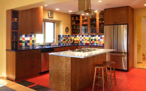A decoração para cozinhas coloridas é muito fácil de ser conseguida, pois você pode seguir por vários estilos diferentes (Foto: Divulgação)