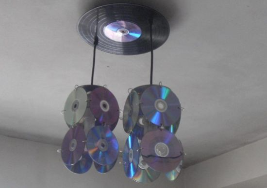 A decoração com reciclagem de CDs velhos pode ser bem interessante e diferenciada (Foto: Divulgação)