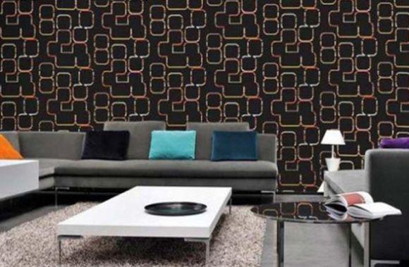 A decoração com revestimento de tecido é ótima opção para repaginar um espaço gastando pouco (Foto: Divulgação)