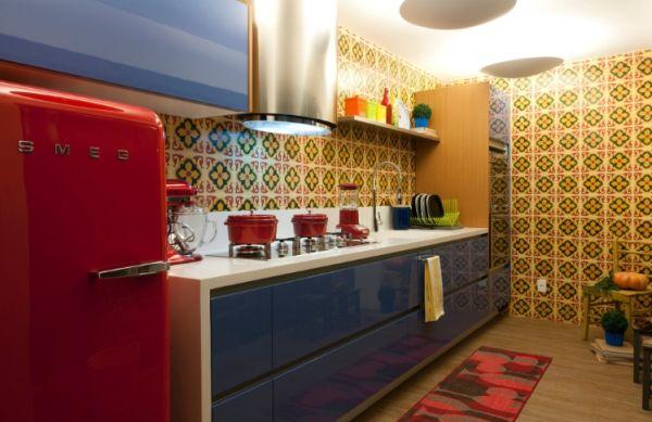 A decoração com tons vibrantes nos revestimentos está em alta e é a grande novidade desta temporada no segmento do décor (Foto: Divulgação)