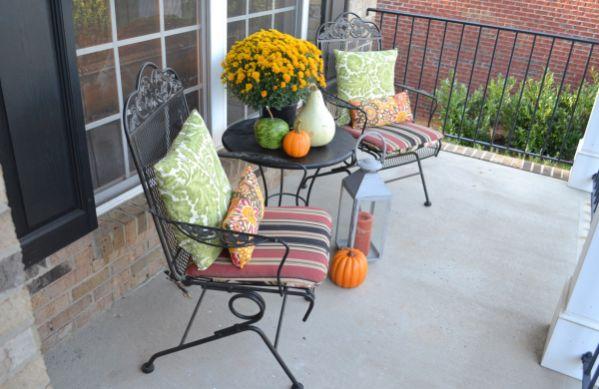 A decoração para cantos de estar na varanda é uma forma de conseguir um espaço para recarregar as energias (Foto: Divulgação)
