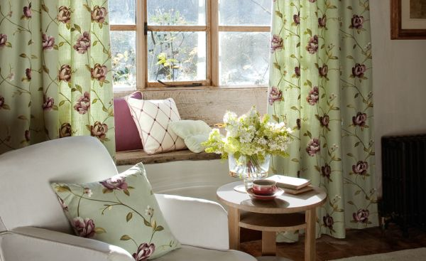 A decoração de interiores floridos é ótima opção para alegrar rapidamente o seu lar (Foto: Divulgação)