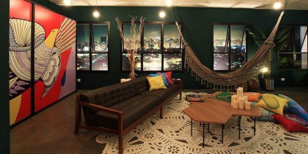 A decoração de sala com rede descanso pode ficar mais interessante do que você imagina (Foto: Divulgação)