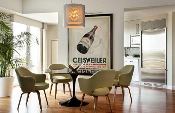 A decoração de casas com pôsteres está em alta no segmento do décor e deixa o seus ambientes com visual mais moderno (Foto: homedit.com)