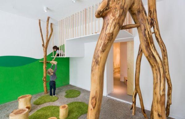 Se você pensa que usar troncos de árvores na decoração é muito complicado, reveja seus conceitos (Foto: contemporist.com)