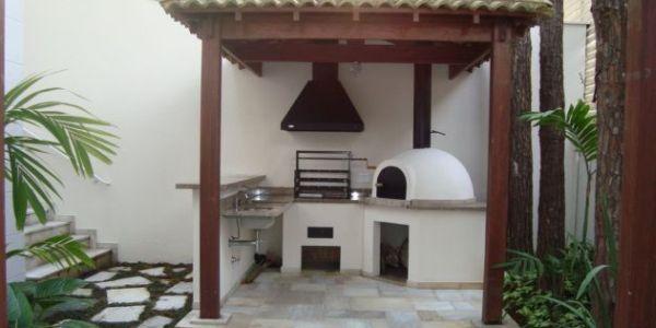 Um projeto de churrasqueira para espaços pequenos é a solução para falta de diversão em sua casa (Foto: decorandocasas.com.br)