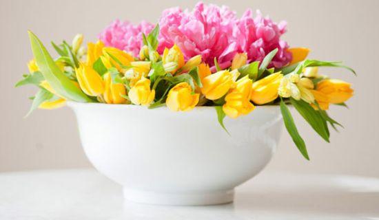 Este centro de mesa floral é muito fácil de ser feito (Foto: thesweetestoccasion.com)