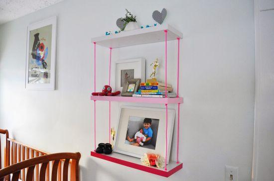 Renove seus ambientes com uma estante de prateleiras (Foto: ducklingsinarow.com)