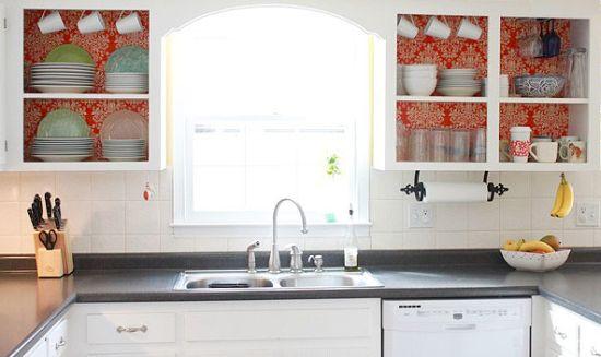 Customizar armário de cozinha é muito fácil (Foto: prettyhandygirl.com)