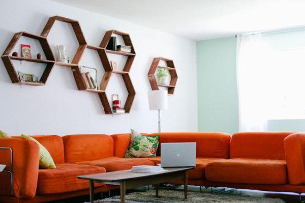 Prateleira de madeira rústica é l inda e tem visual aspecto muito especial (Foto: abeautifulmess.com)