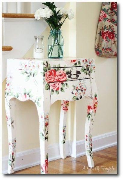 Móveis decorados com decoupage são lindos e podem ter qualquer estilo (Foto: mydesiredhome.com)