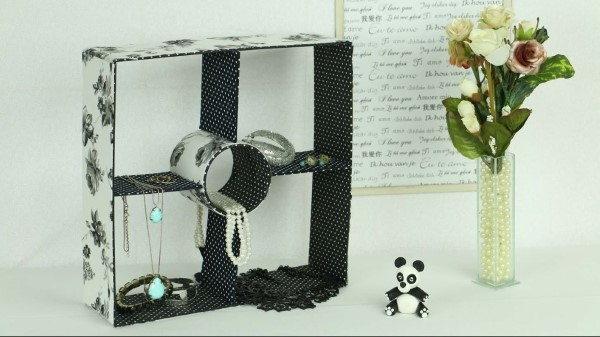 como fazer nichos de papelão decorado com tecido