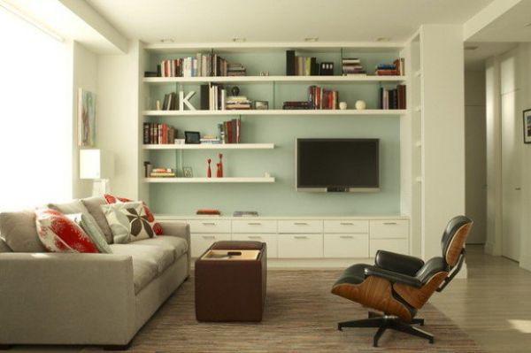 A decoração de sala de estar com prateleiras é também funcional (Foto: stylemotivation.com)