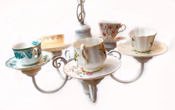 Usar xícaras na decoração, e algumas vezes de forma inusitada, é muito fácil (Foto: alibabus.com)